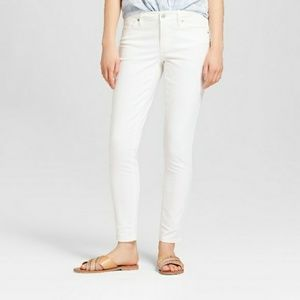 Mossimo white mid-rise jegging/jean, size 28
